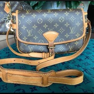 💯Louis Vuitton Sologne crossbody bag